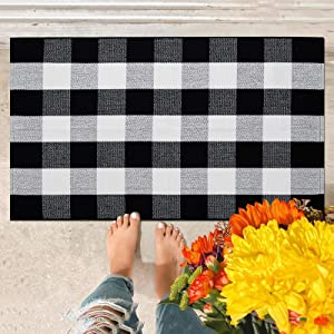 Buffalo Plaid Rug 27.5 x 43 Inch Black and White Check Cotton Hand-Woven Indoor or Outdoor Doormat Layered Door Mats Washable Carpet for Porch, Kitchen, Farmhouse, Entryway