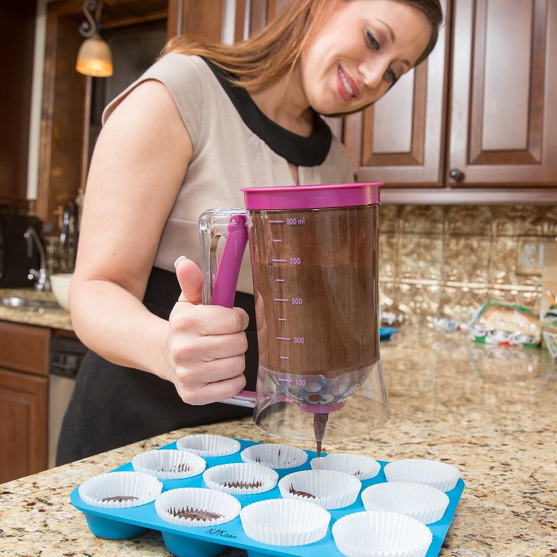 Cake batter dispenser