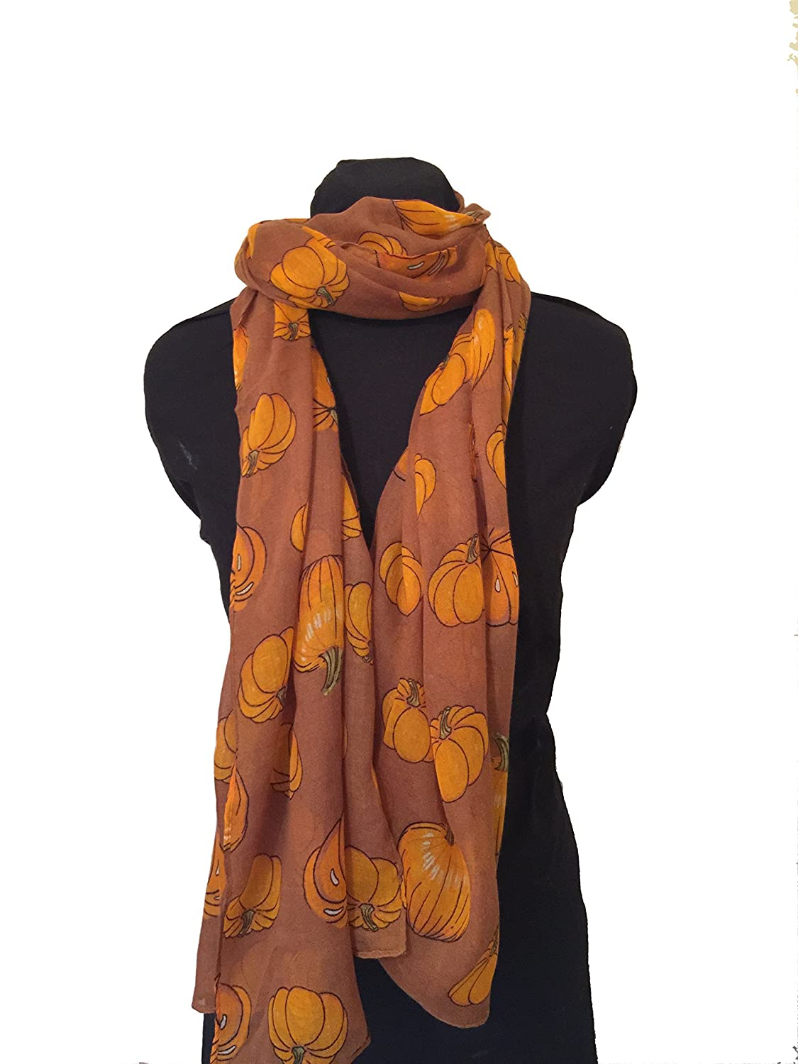 Bufanda marrón con calabaza halloween diseño -- Brown pumpkin halloween design scarf.