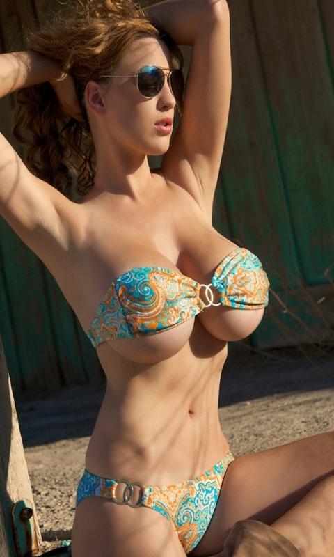 Girls showing big boobs