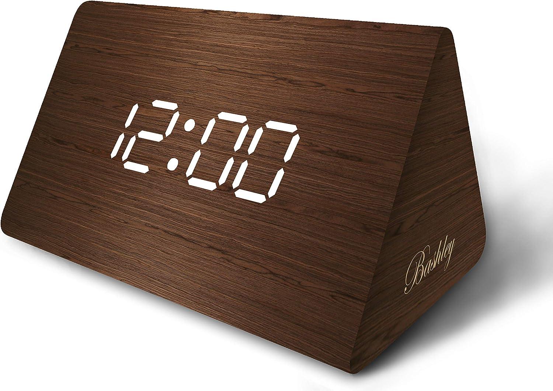 Bashley - Reloj Digital de Escritorio con Alarma de Madera LED, triángulo, Moderno, con Fecha y Control de Temperatura de Sonido, para niños, Dormitorio, hogar, Oficina y marrón