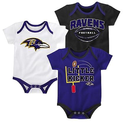 4ee09bb30 Amazon.com   Outerstuff NFL Infant Boys 3 Points Bodysuit Set ...