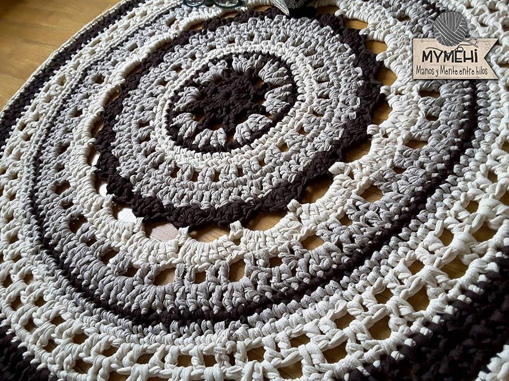 Alfombra redonda mandala hecha a mano en crochet de trapillo ...