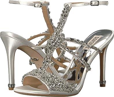a8a45a261 Amazon.com  Badgley Mischka Womens Hughes  Shoes