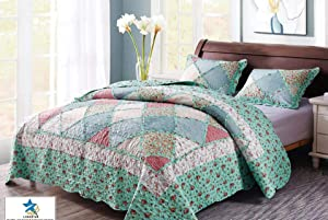 KINBEDY Elegant 3 Pieces Patchwork Quilt Set with Shams Soft All-Season Bedspread & Coverlet with Blue Fresh Pastoral Floral Plaid Design,Round Corner, Queen.