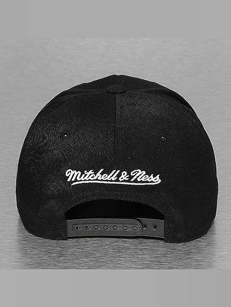 Mitchell   Ness Uomo Cappellini   Snapback Cap 110 Chicago Bulls   Amazon.it  Abbigliamento e0ebb313a0d3