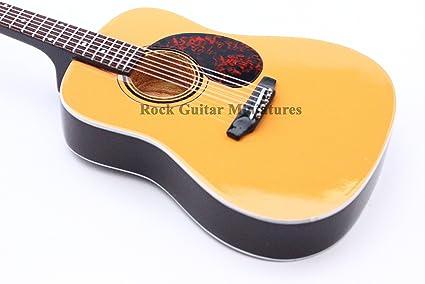 rgm237 ED Sheeran Martin Acoustic Guitarra en miniatura: Amazon.es ...