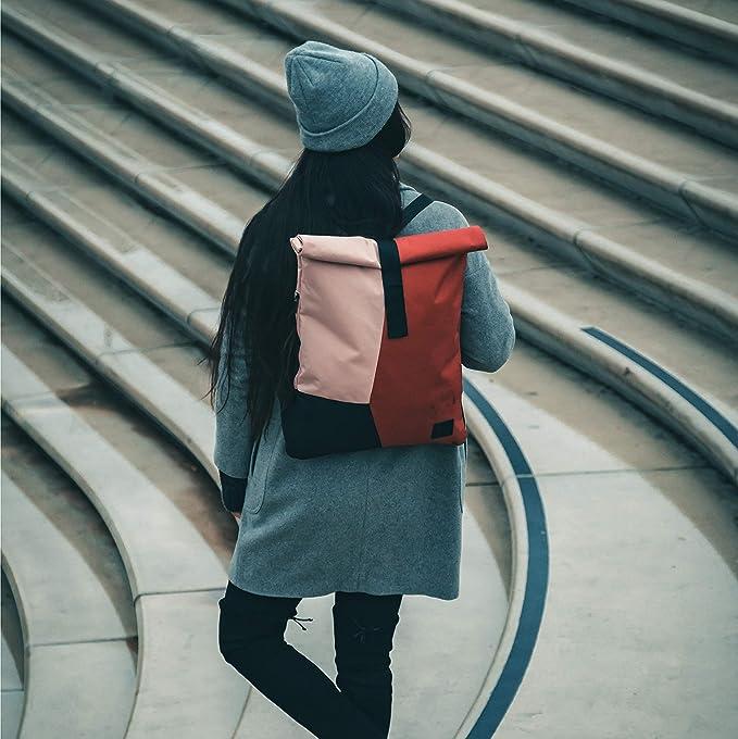 rolltop-rucksack-fuer-damen-johnny-urban