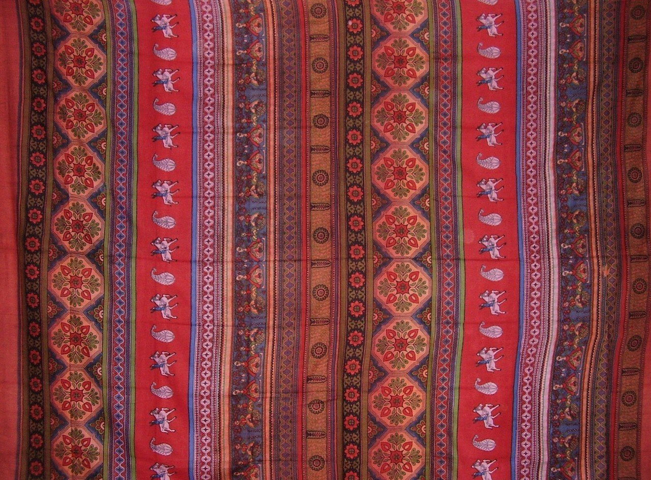 Indian Print Tapestry Cotton Bedspread 106'' x 88'' Full-Queen Red