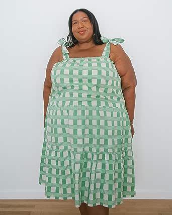 The Drop Vestido para Mujer, Midi Escalonado y Anudado a los Hombros, Estampado a Cuadros en Verde Pálido, por @itsmekellieb