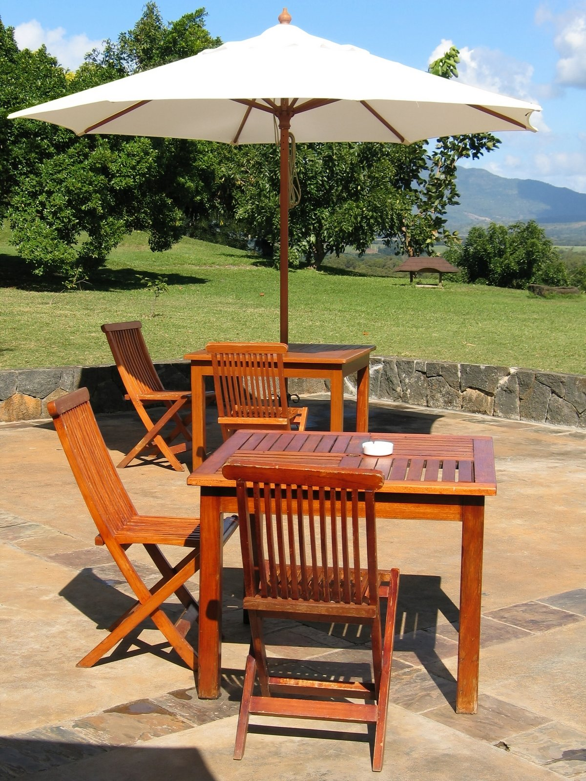 Howard SWAX16 SunShield Outdoor Furniture Wax with UV Protection, 16-Ounce, Yellow by Howard Products (Image #3)