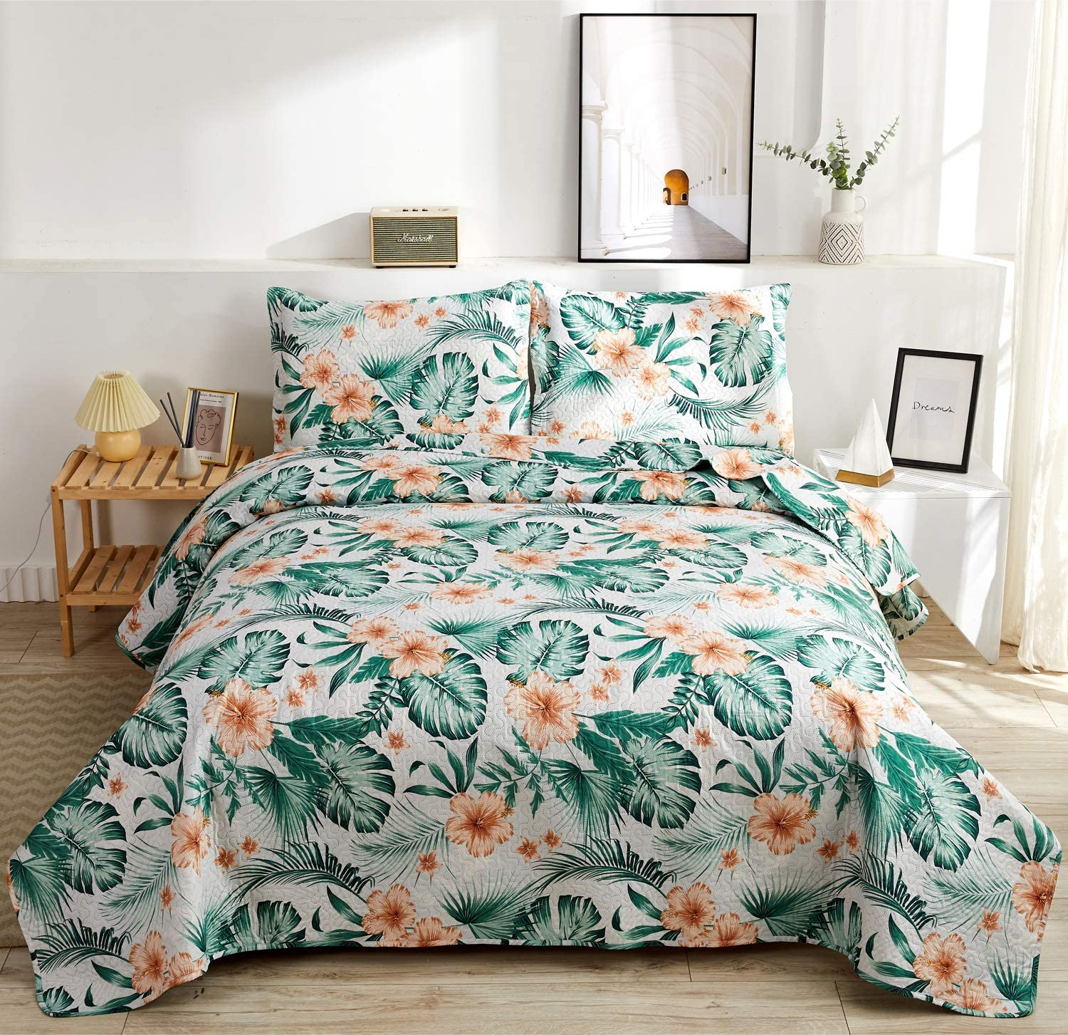 Rainforest Leaves Quilt Set King Size Hibiscus Flower Green Palm Leaf Bedding Set Lightweight Tropical Bedspread Coverlet with Sham Soft Breathable Bed Set, 1 Quilt and 2 Pillowshams