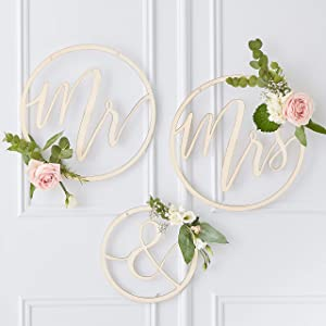 Ginger Ray Wooden Mr & Mrs Hanging Hoop Wedding Decoration Backdrop 3 Pack