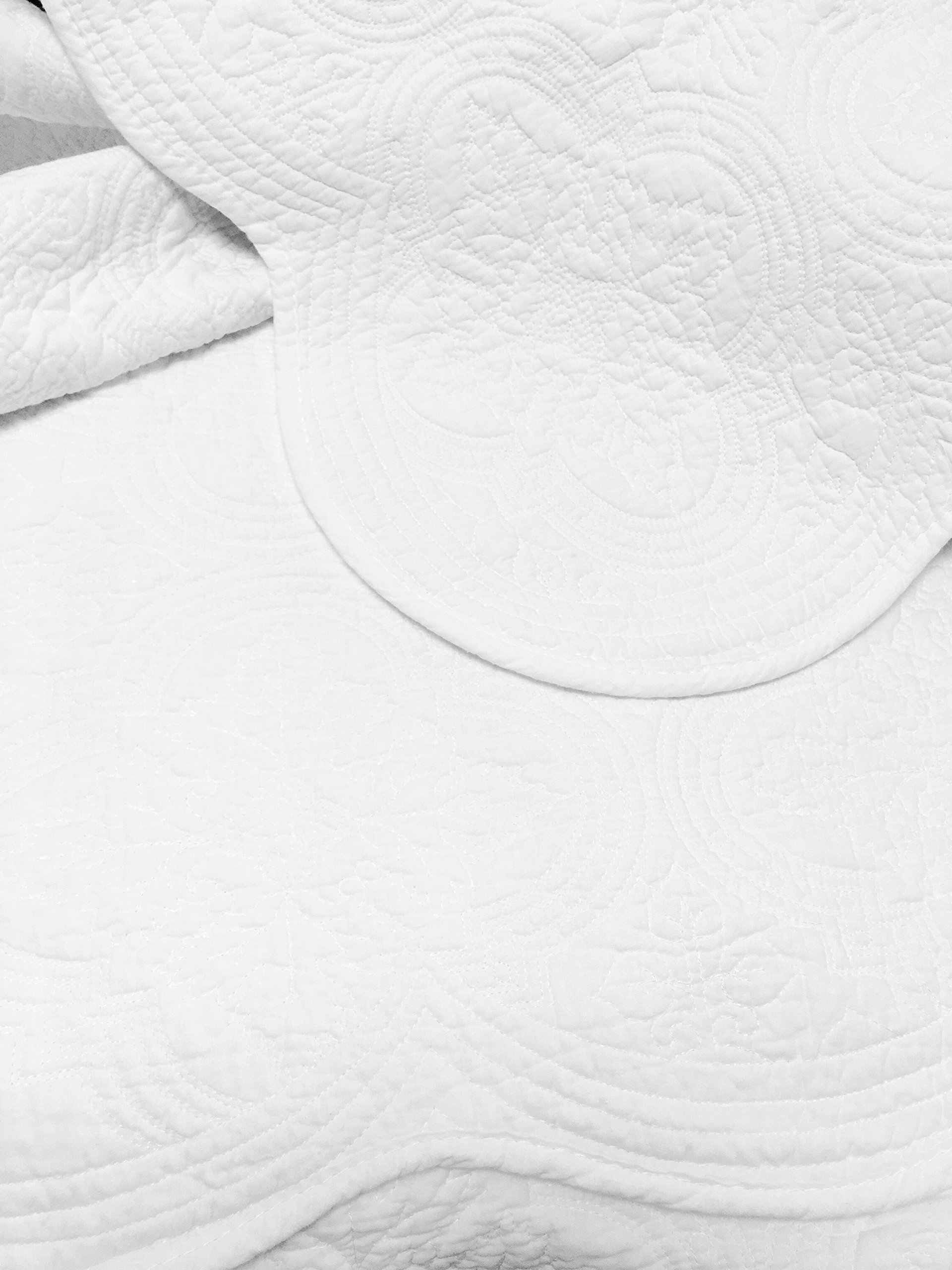 Cozy Line Home Fashions Victorian Medallion Solid White Matelasse Embossed 100% Cotton Bedding Quilt Set,Coverlet,for Bedroom/Guest Room (Blantyre - White, King - 3 Piece) by Cozy Line Home Fashions (Image #4)