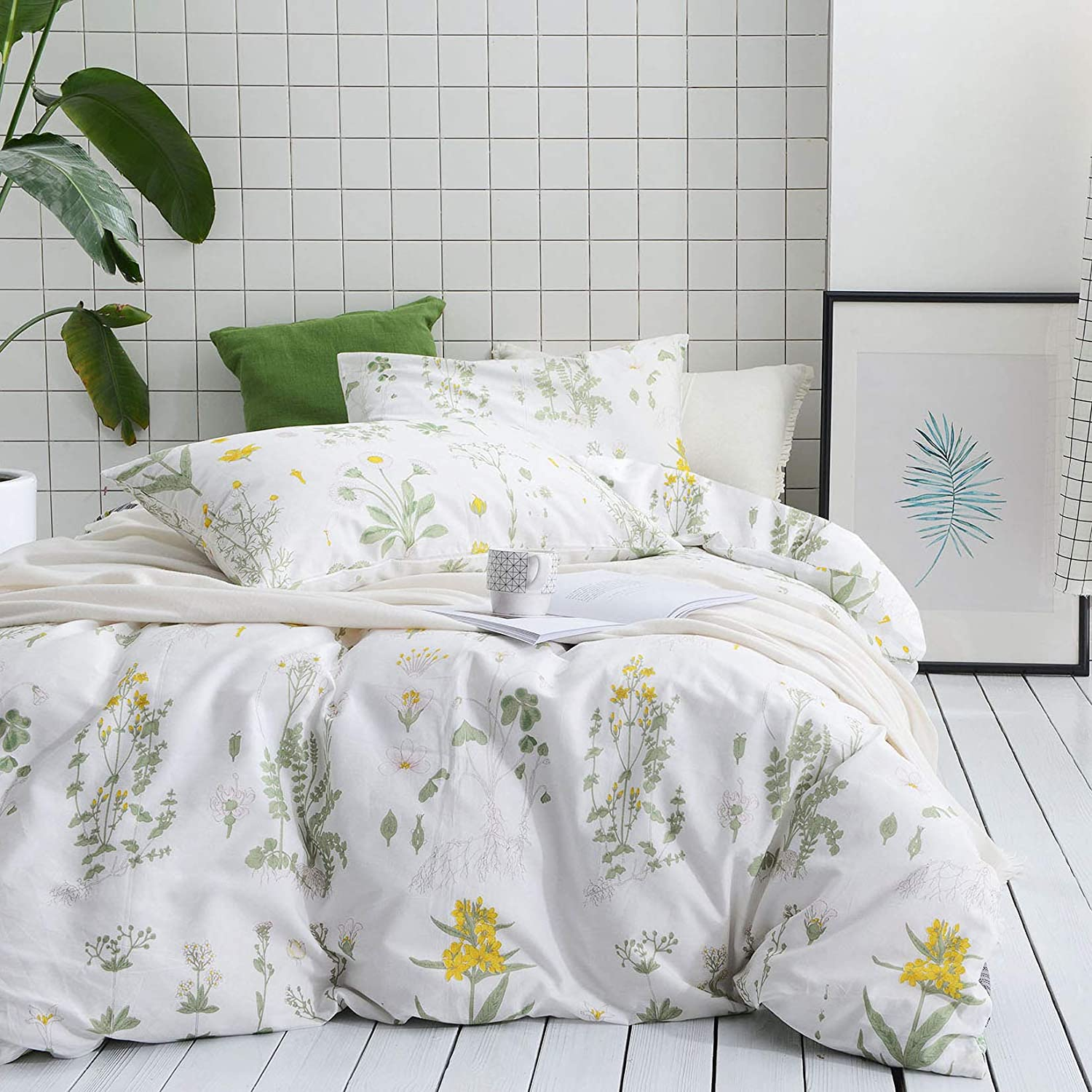 Wake In Cloud - Botanical Comforter Set, 100% Cotton Fabric with Soft Microfiber Fill Bedding, Yellow Flowers and Green Leaves Floral Garden Pattern Printed