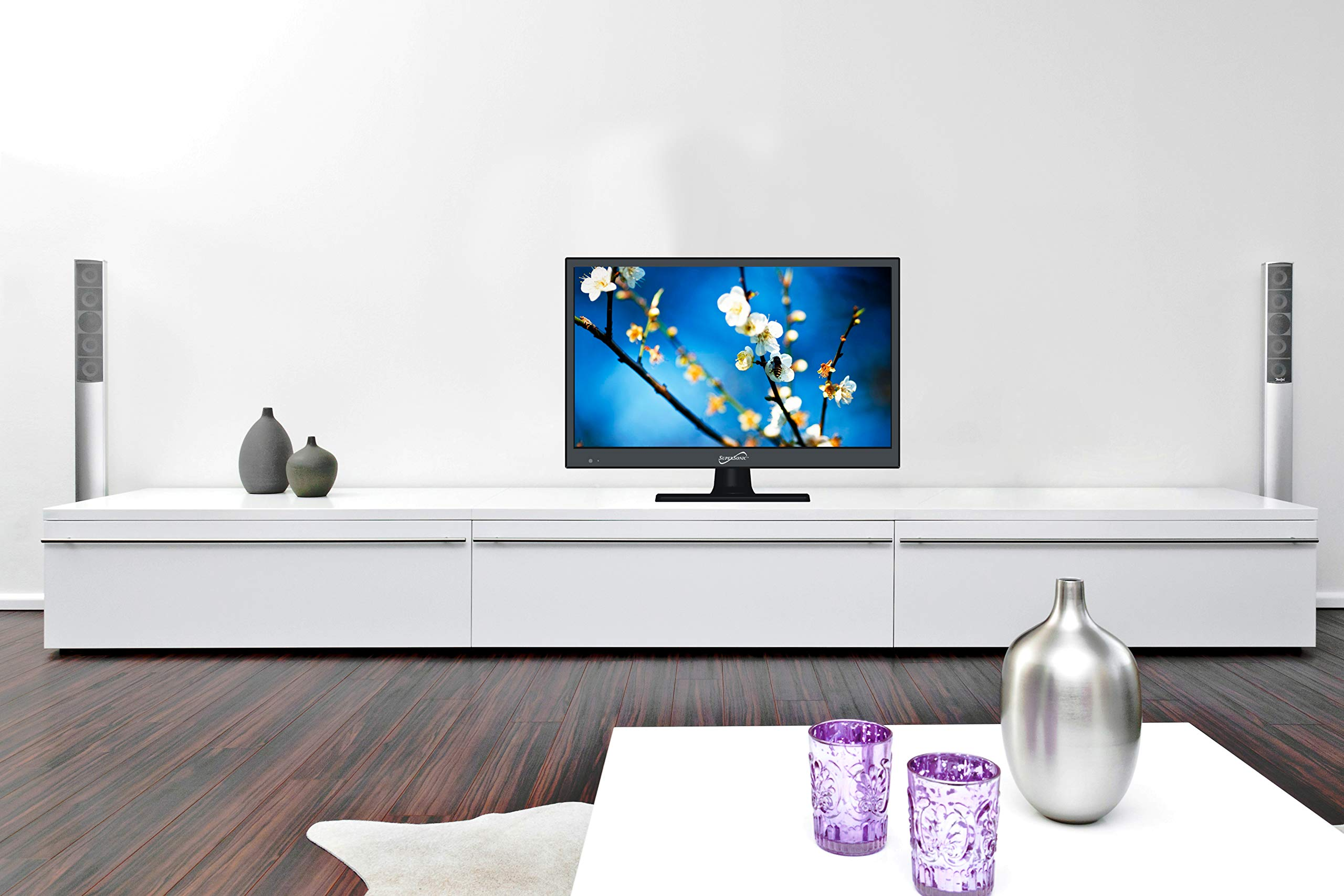 SuperSonic SC-1511H LED Widescreen HDTV 15'' Flat Screen with USB Compatibility, SD Card Reader, HDMI & AC/DC Input: Built-in Digital Noise Reduction with HDMI Cable Included (2019 Model)