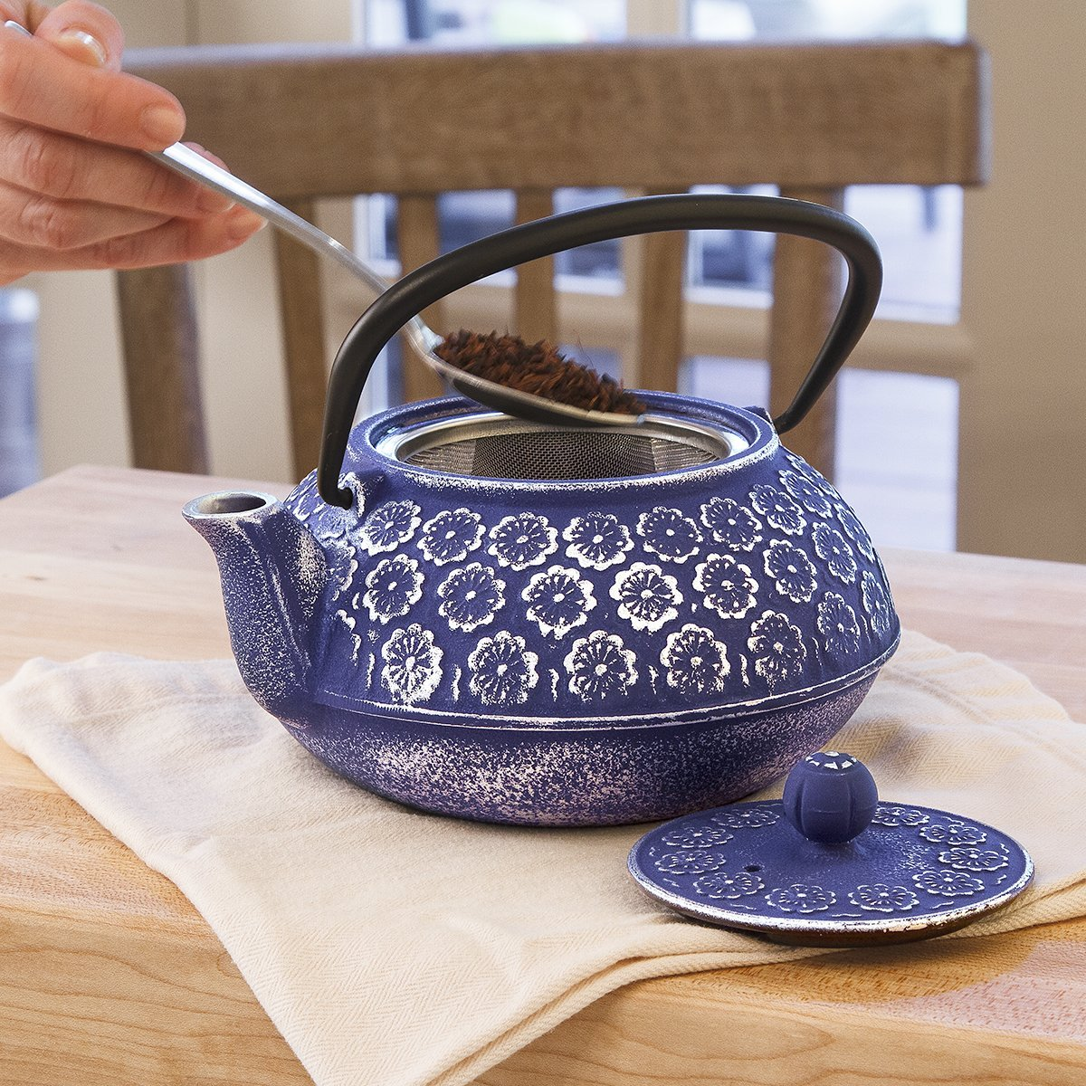 Primula Cast Iron Teapot | Blue Floral Design w/Stainless Steel Infuser,34 oz | Amazon