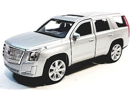 Amazon Com Welly Silver 2017 Cadillac Escalade Suv 1 38 O Scale
