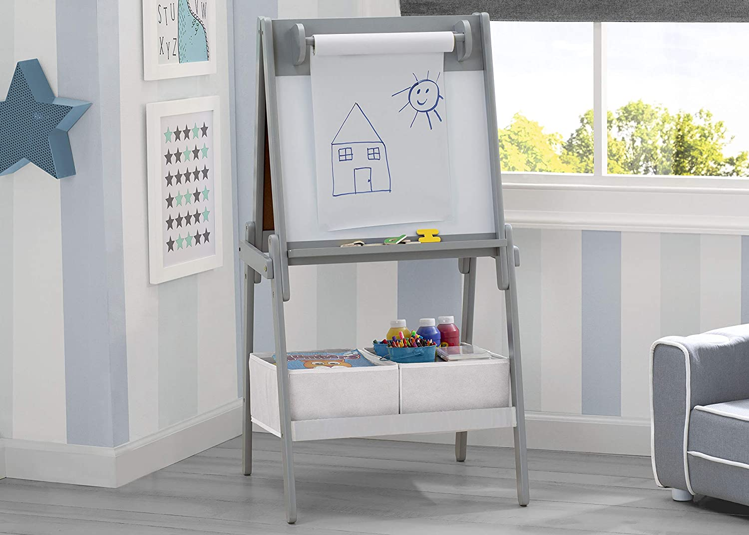 Light Grey//White Delta Children Chelsea Double-Sided Storage Easel with Paper Roll and Magnets