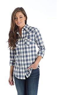 9ae9dbdde6a Wrangler Women s Long Sleeve Western Snap Work Shirt at Amazon ...
