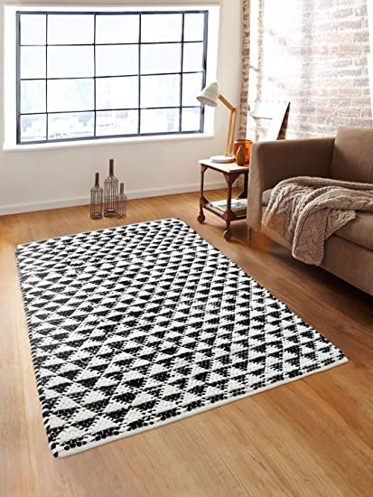 Romee Triangle Cotton Dhurrie - 36x60, White and Black
