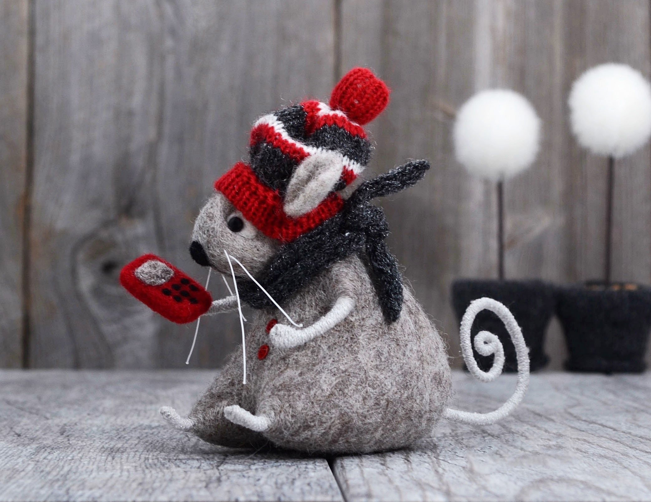 Needle Felted Mouse with Cell Phone Needle Felted Animal Birthday Gift Home Decor Kids Room Decor Wool Rat Mouse Doll
