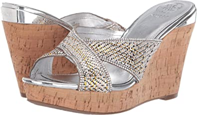 aaaae5ef0f Amazon.com | GUESS Women's Eleonora 4 | Shoes