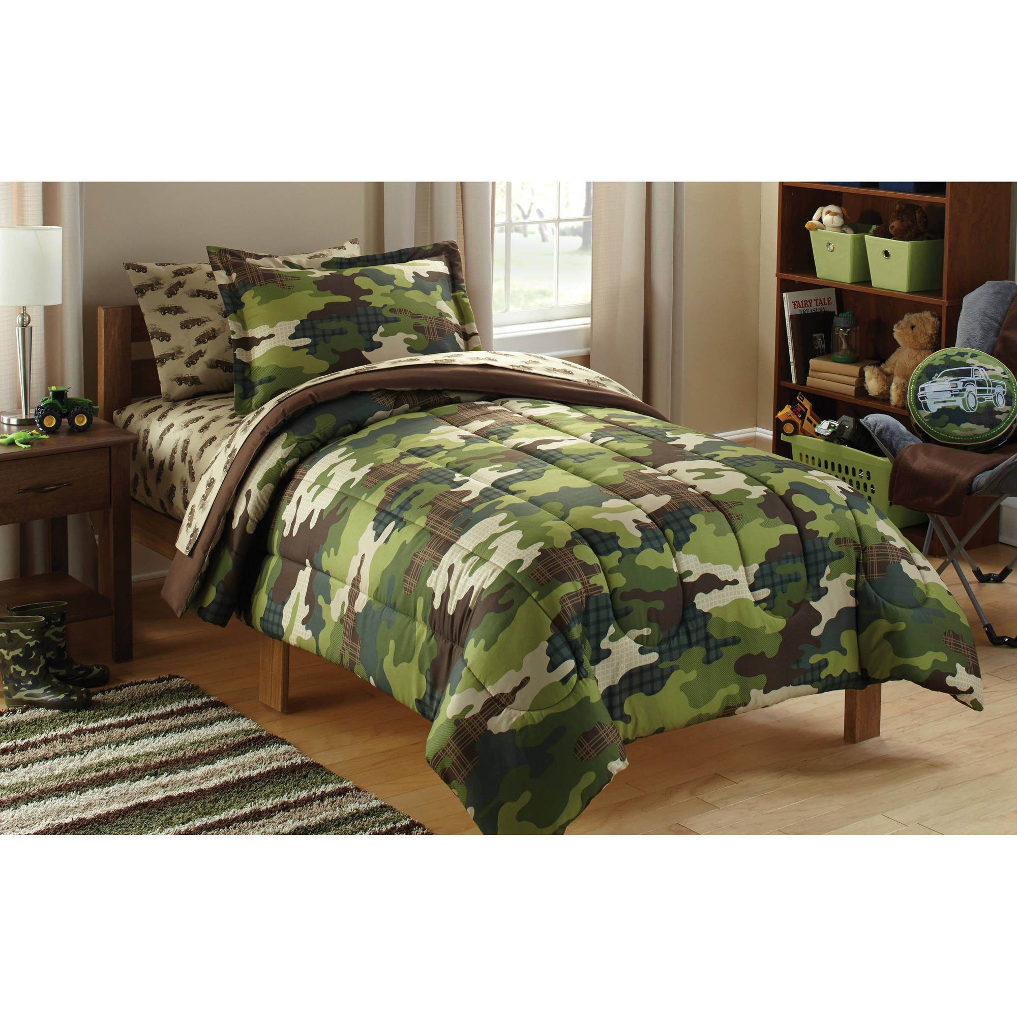 5 Piece Boys Green Camouflage Theme Comforter Twin Set, Beutiful All Over Stylish Camo Army Military Print Outdoor Pattern, Kids Hunting Lodge Bedding, Soldiers Love Themed, Vibrant Colors