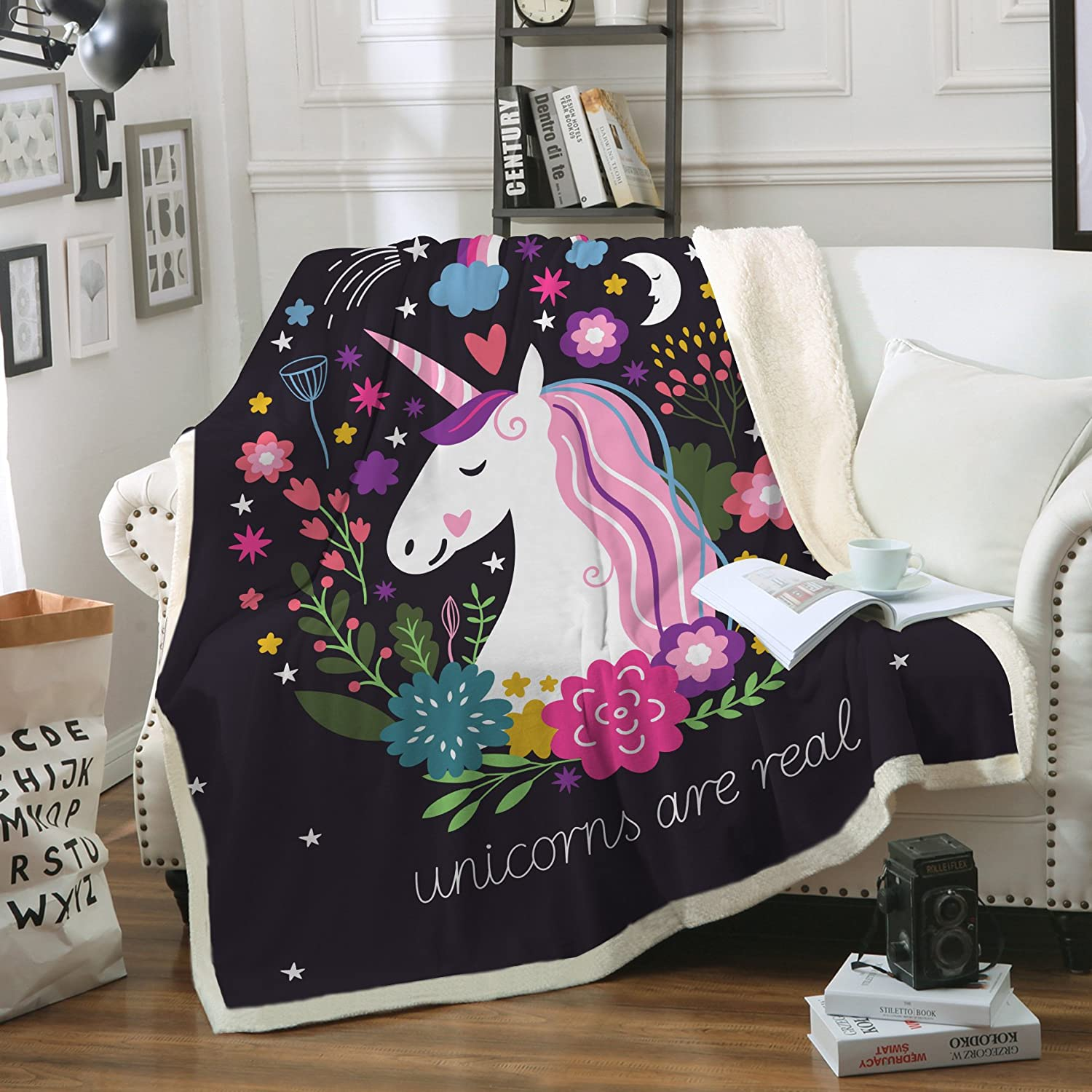 Sleepwish Cute Unicorn Blanket Girls Cartoon Unicorn with Flowers Fleece Blanket Black Sherpa Blanket for Kids Adults (Twin 60