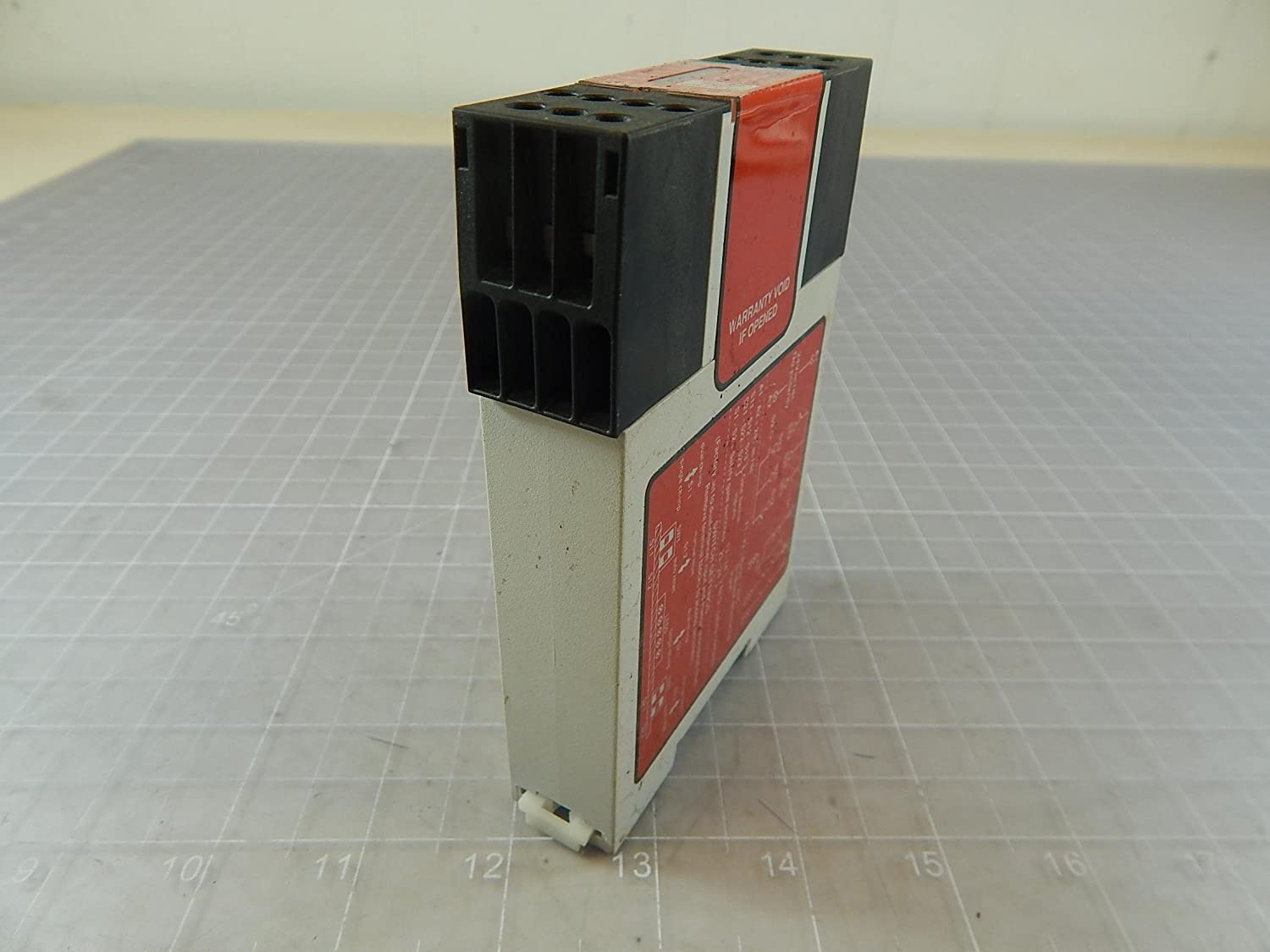 ONE NEW Banner safety relays GM-FA-10J