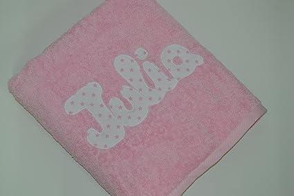 Toalla personalizada con nombre 100% algodón (Rosa Bebé)