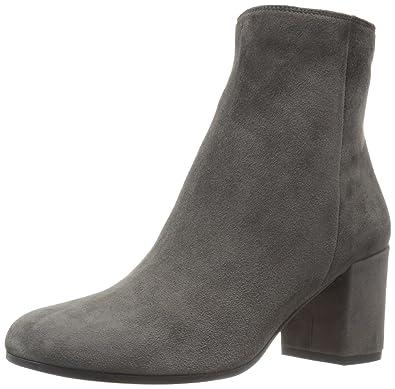4c201df189ac Amazon.com  Vince Women s Blakely Ankle Bootie  Shoes