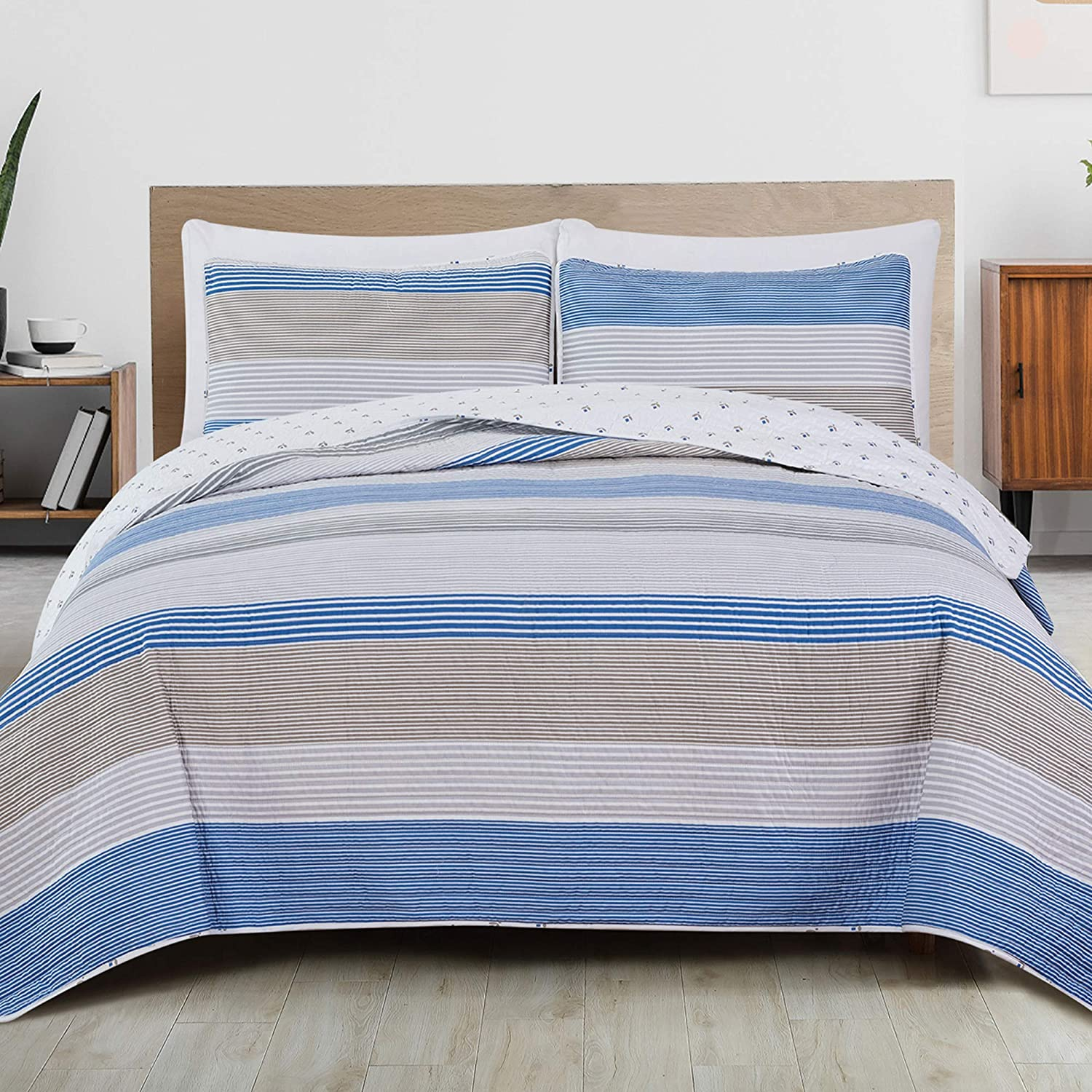 3-Piece Reversible Modern Striped Quilt with 2 Shams. All-Season Bedspread with Blue and Taupe Stripes. Bryce Collection (Full / Queen)