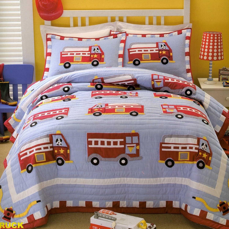 amazon com cotton fire truck quilt set twin home u0026 kitchen