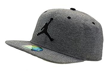 Nike 23Lux Gorra Línea Michael Jordan de Tenis 11c65cb7f81