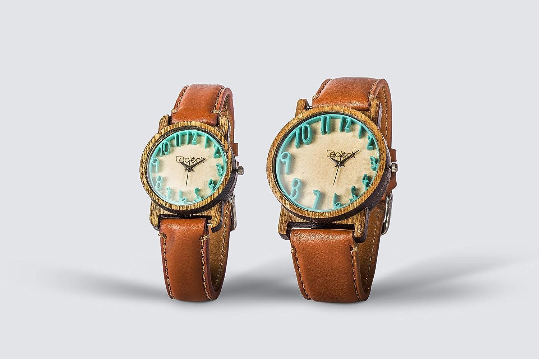 ejemplo de reloj de pareja de madera