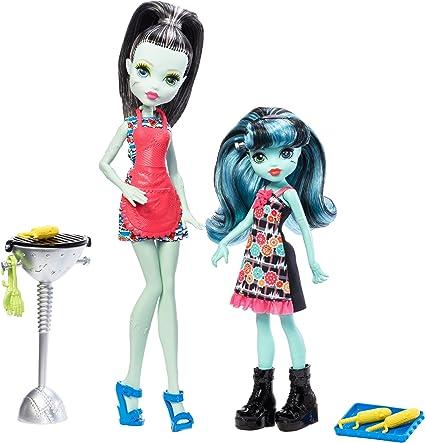 Amazon Com Monster High Monster Family Frankie Stein Alivia Stein Dolls Toys Games