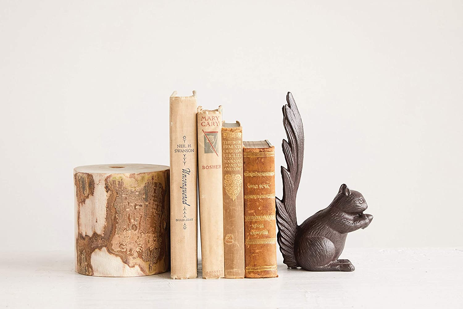 Bookend Creative Co-Op DA8308 Cast Iron Squirrel Doorstop