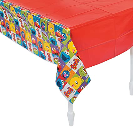 Amazon.com: Fun Express Elmo Turns One - Mantel de plástico ...