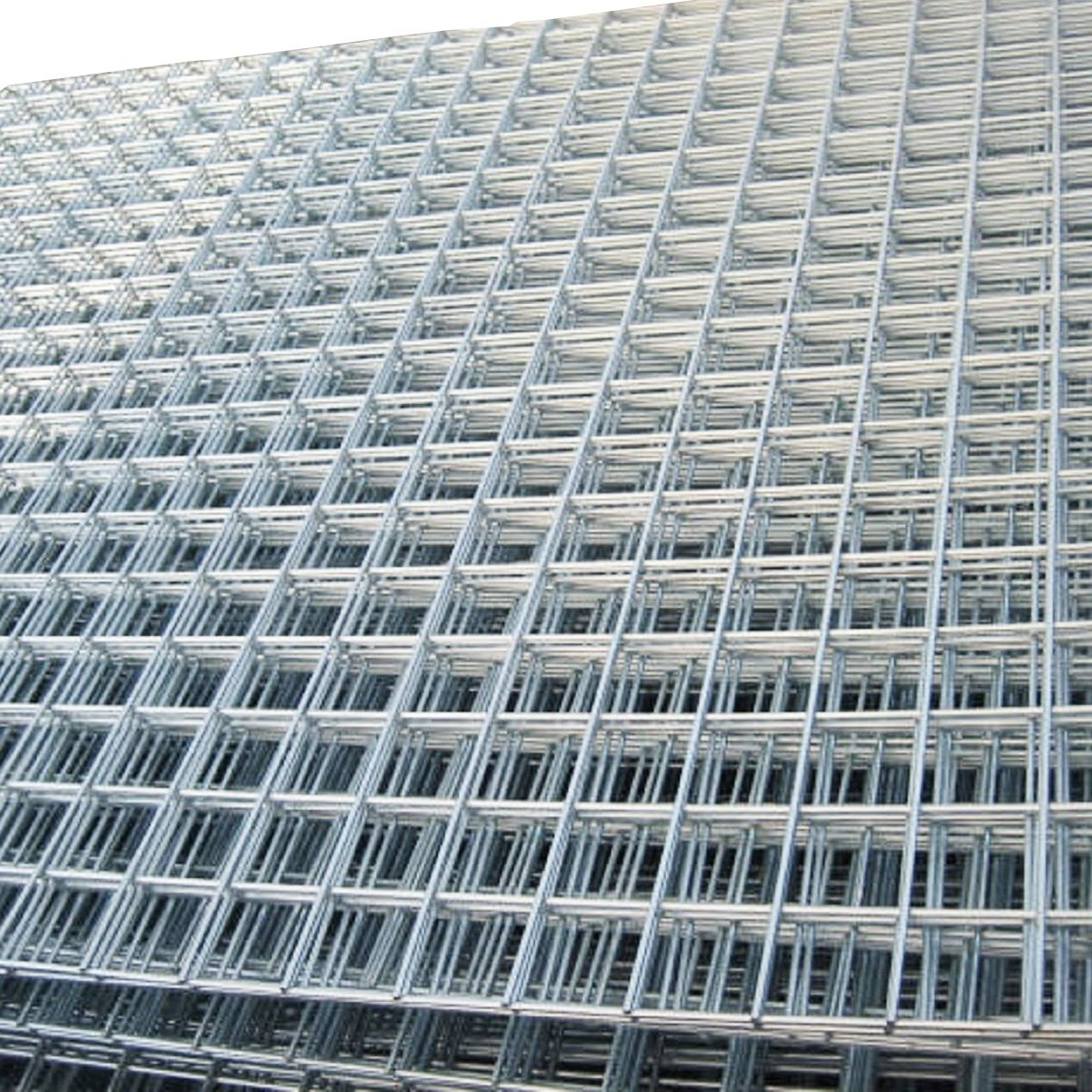 4 Pack of 8ftx4ft Welded Mesh Panels. 2\