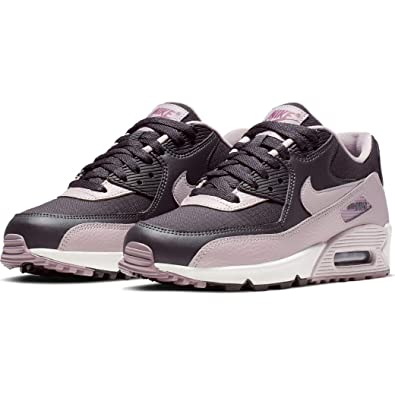 reputable site 6007e 5e228 Amazon.com | Nike Women's WMNS Air Max 90 Trainers | Running