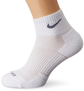d23a8be501da8 Nike Dri-Fit Cushion Quarter Socks (Pack of 3): Amazon.co.uk: Clothing