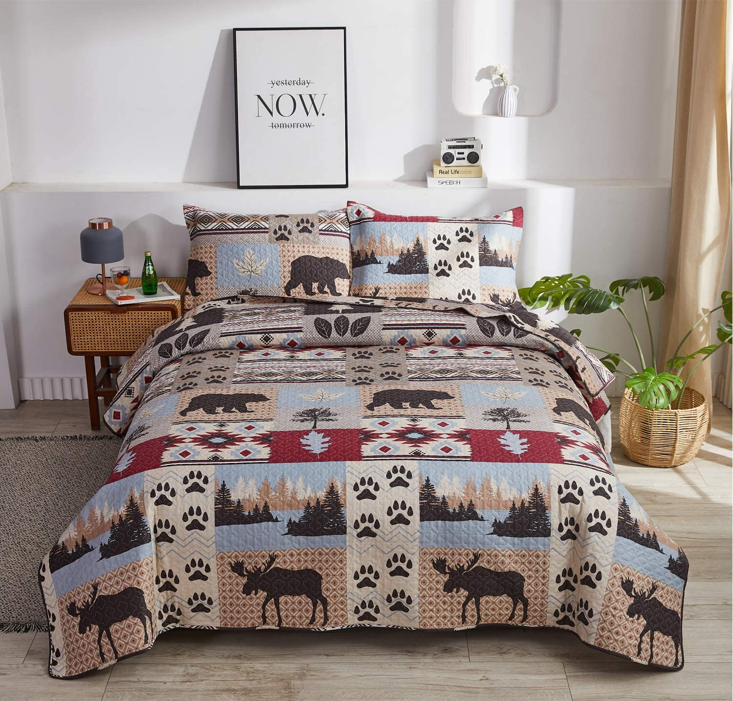 Amazon Com Lodge Bedding Set Full Queen Size Rustic Cabin Quilt Set Pine Tree Moose Bear Bedspread Coverlet With Sham Soft Reversible All Season Bed Set 1 Quilt 2 Pillow Shams Kitchen Dining
