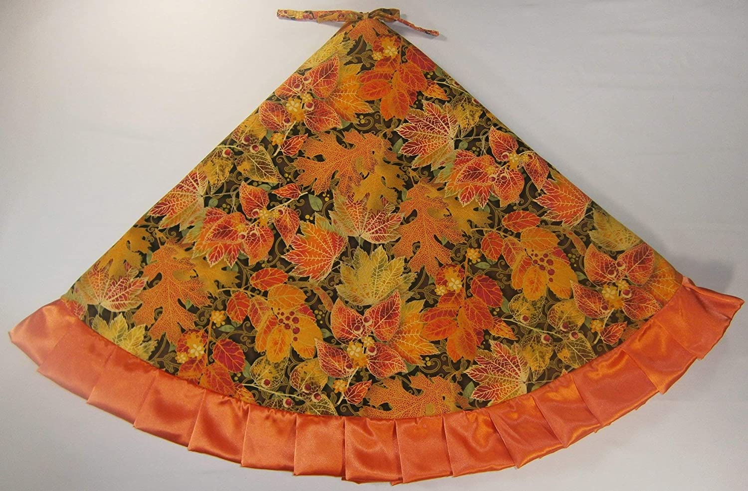 Arkansewn Small Tabletop Autumn//Fall Tree Skirt Pumpkins /& Leaves 24