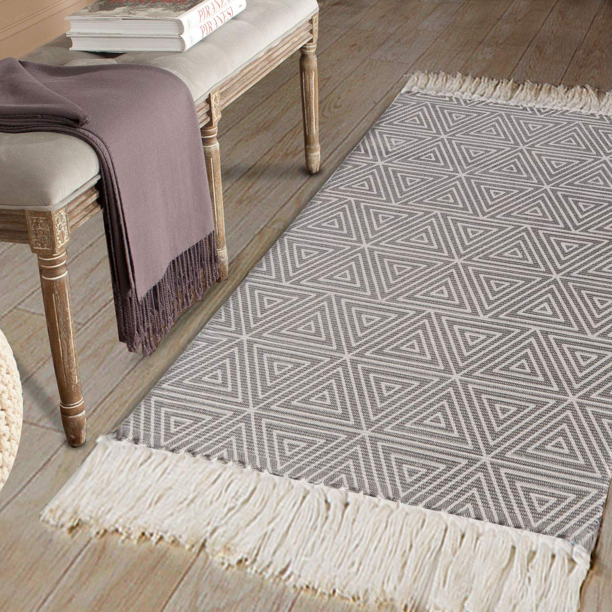 "Amazon.com: Cotton Printed Area Rug, Seavish Decorative Hand Woven Runner Carpet, Grey Triangle Kilim Rugs Throw Rug 2' x 4'4"" for Bedroom Living Room Dorm: ..."
