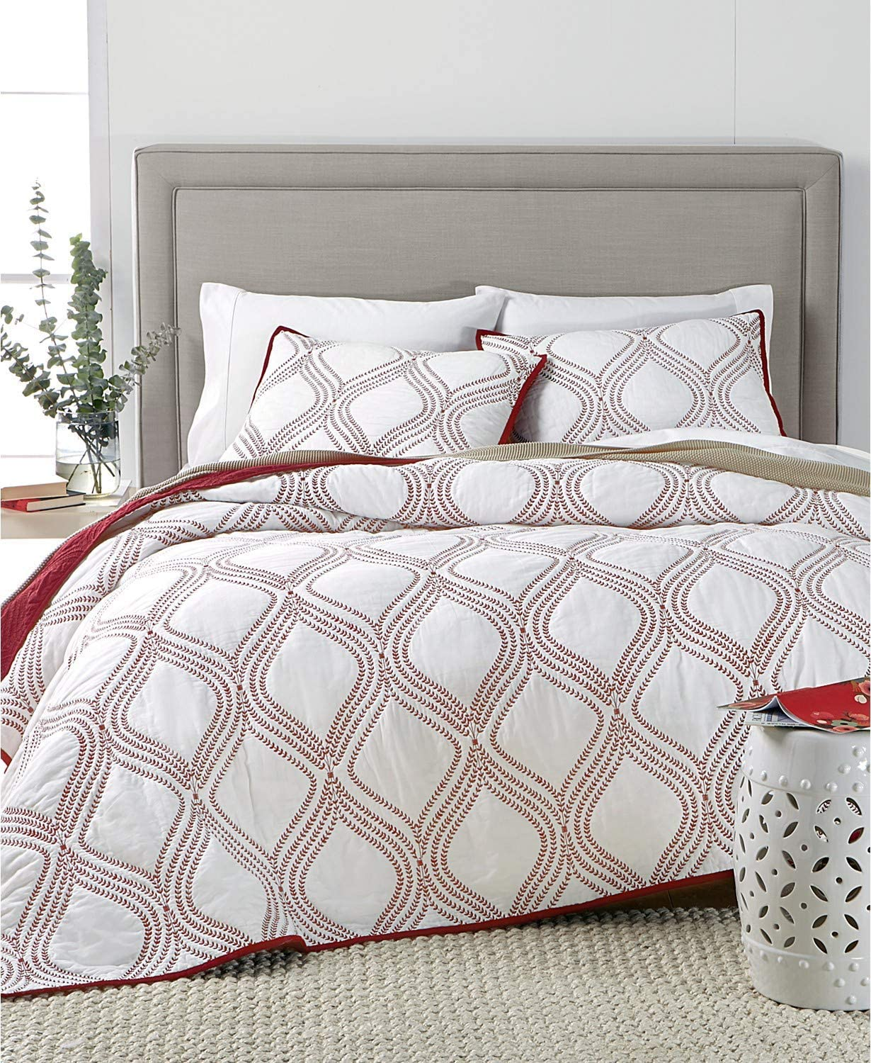 Martha Stewart Collection Embroidery Gramercy Gate Cotton Reversible King Quilt White Red