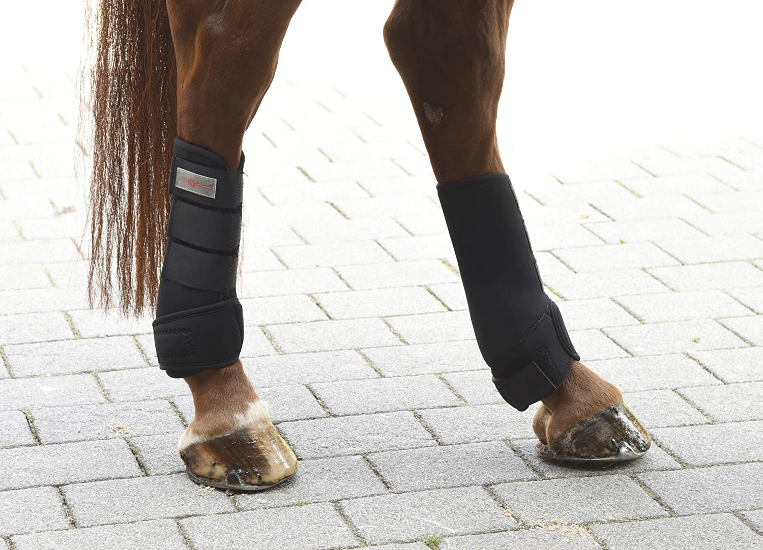 Black Set of 4 Kerbl 320133/Fetlock Boots Synthetic Rubber Saddle Cloth