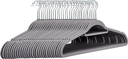 Basics 50 unidades Perchas de terciopelo para trajes con barra horizontal color negro