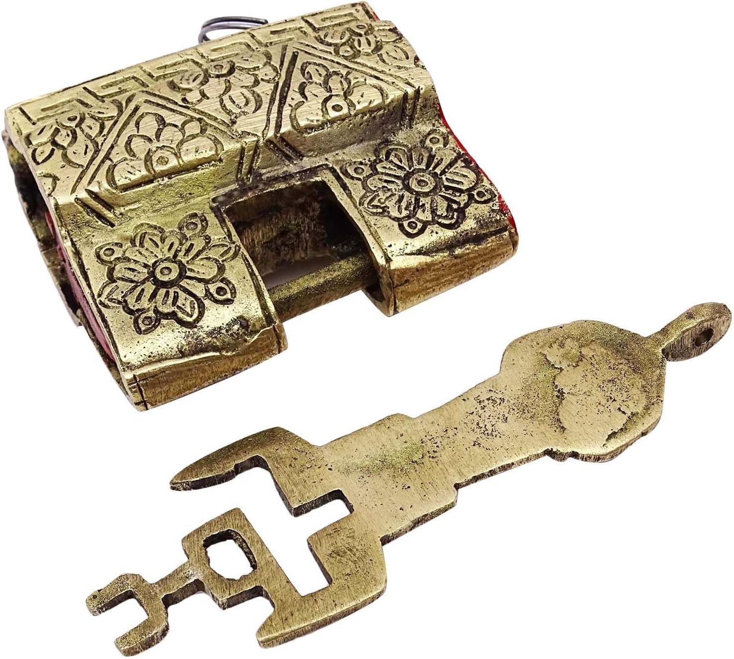 Decorativo antico lucchetto metallico dorato intagliato indiano Home Decor Key Lock Metallic Gold Tone