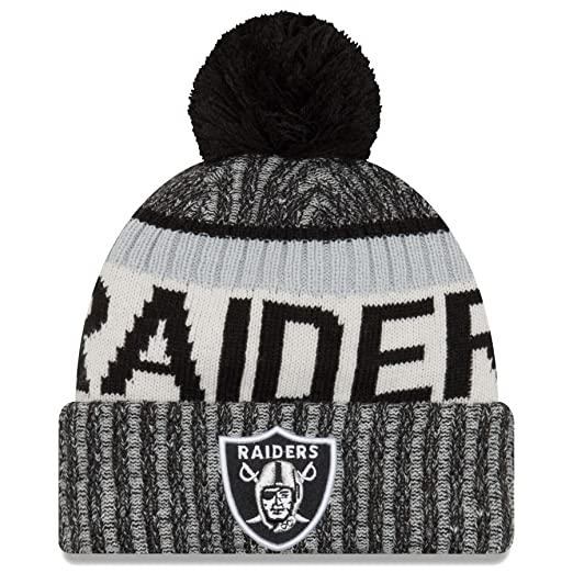 03947d6ce Amazon.com : New Era Oakland Raiders 2017 On-Field Sport Knit Beanie Hat/Cap  Black : Sports & Outdoors
